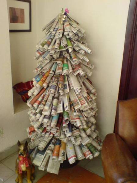 Tree-of-christmas-recycled-made-with-newspapers