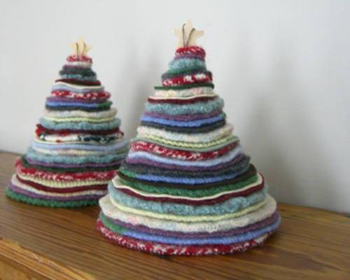 Tree-of-christmas-recycled-made-with-sweaters