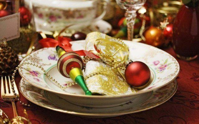 Beautiful christmas table-top centers