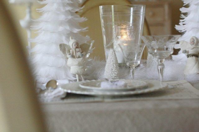Table-Christmas-center-color-white