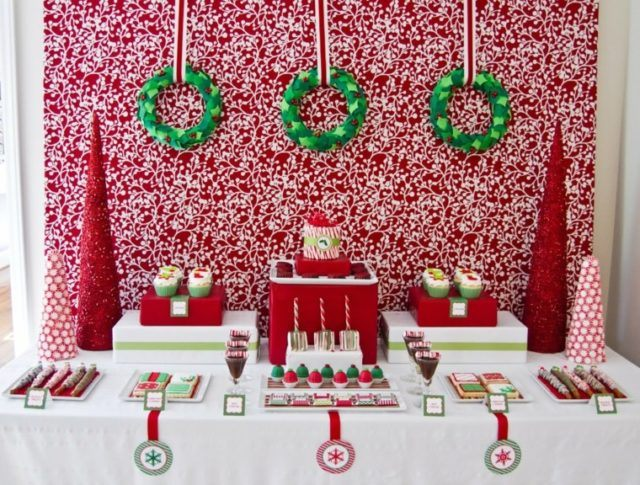 Christmas-table-center-color-red