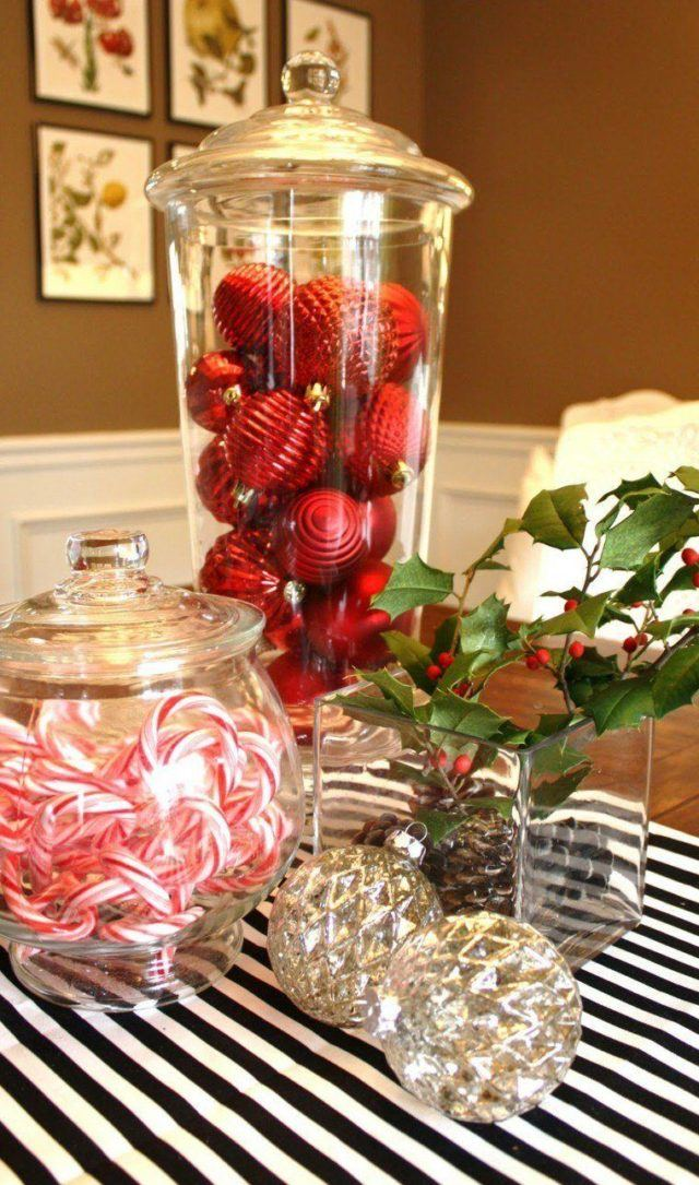 Table-Christmas-center-with-tablecloths