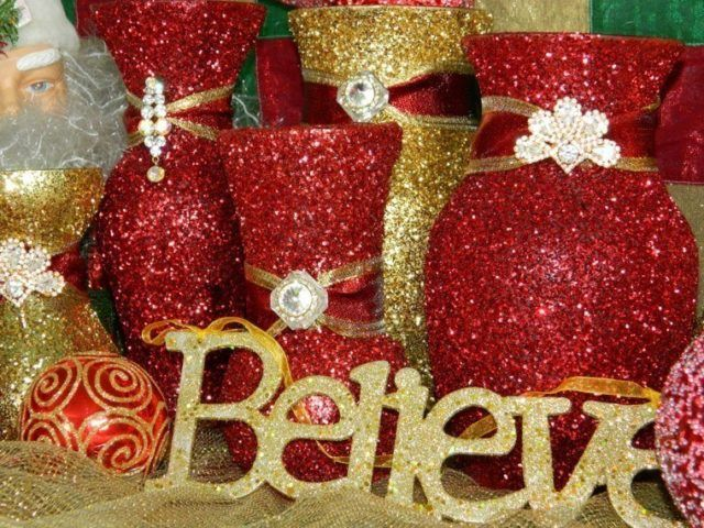 Table-Christmas-with-glitter-table-centers