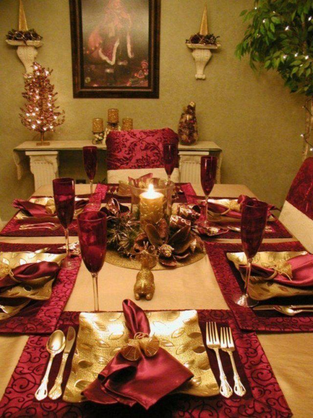 Table-Christmas-with-candle centers