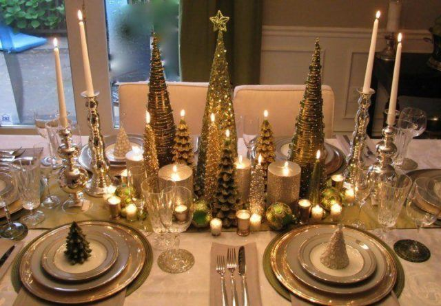 Table-christmas-golden-centers