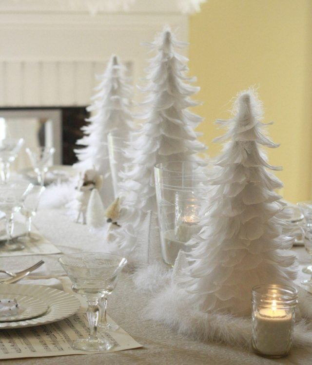Table-Christmas-feather-white