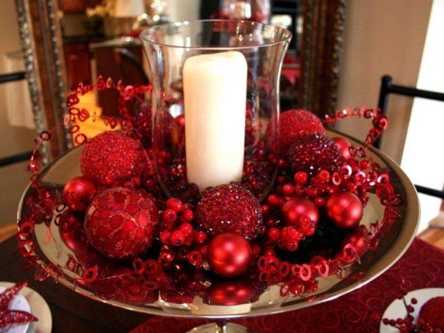 Table-Christmas-red-centers