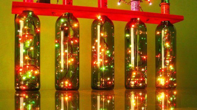 como-iluminar-tu-hogar-en-navidad-botellas