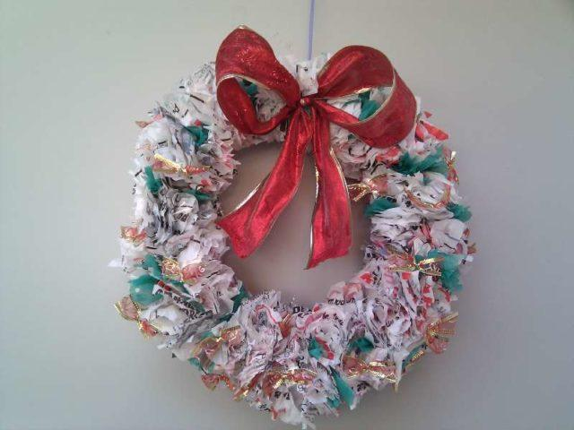 Advent-wreath-with-materials-recycled