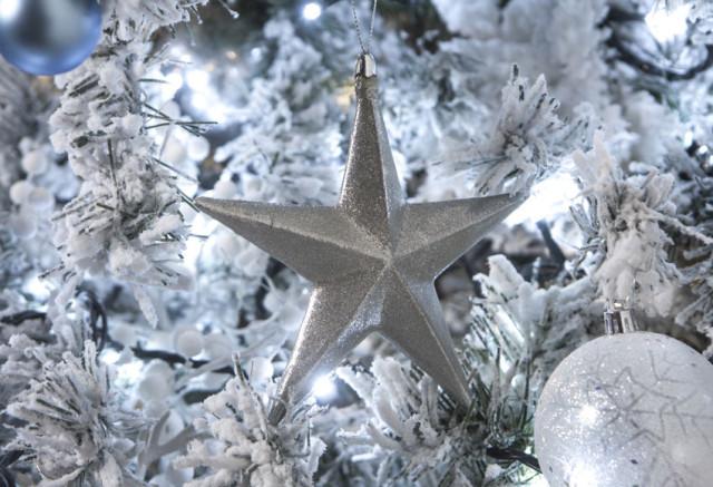 estrellas-de-navidad-2015-estrella-plateada-para-colgar-en-el-arbol-leroy-merlin