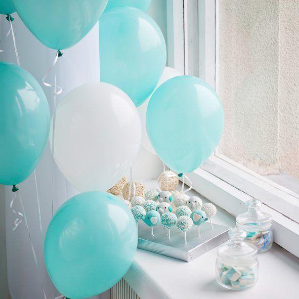 Centros de mesa para bautizos con globos azules