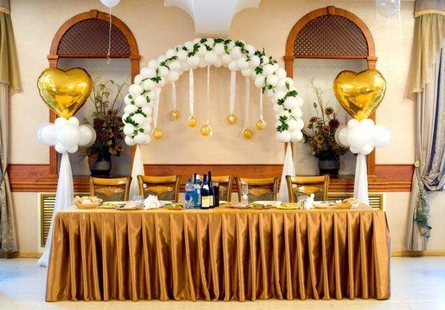 Centros de mesa para bautizos con globos grandes