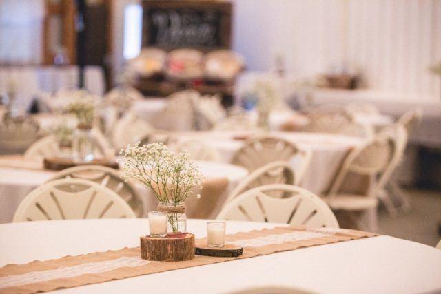 Centros de mesa para bautizos con velas ideas