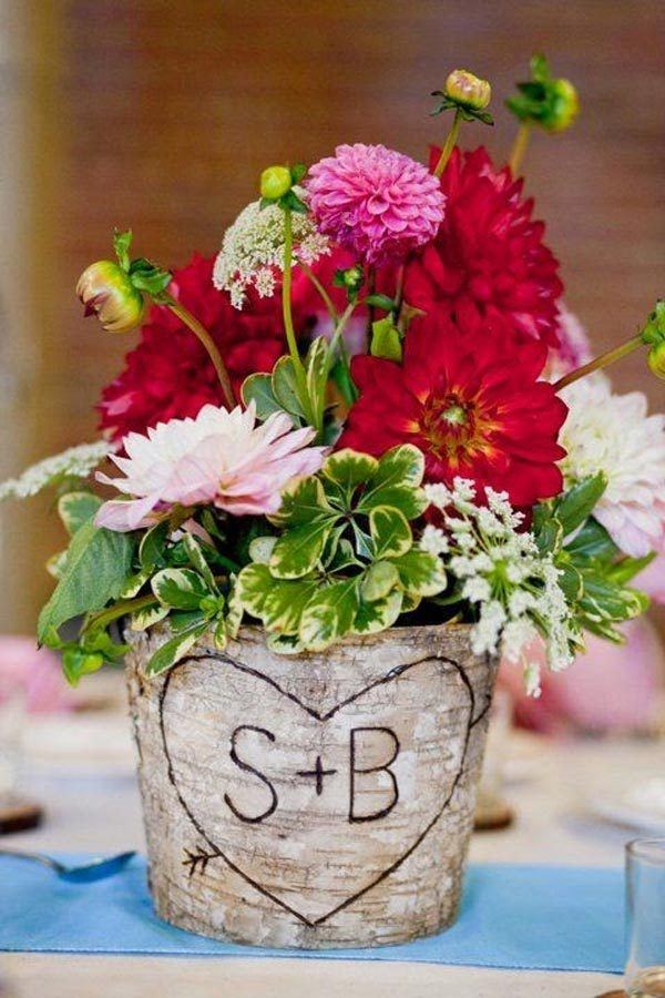 Table-center-for-wedding-rustica-pot-of-wood