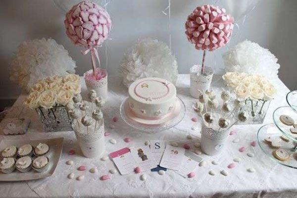 Table-to-communion-tree-candy-centers