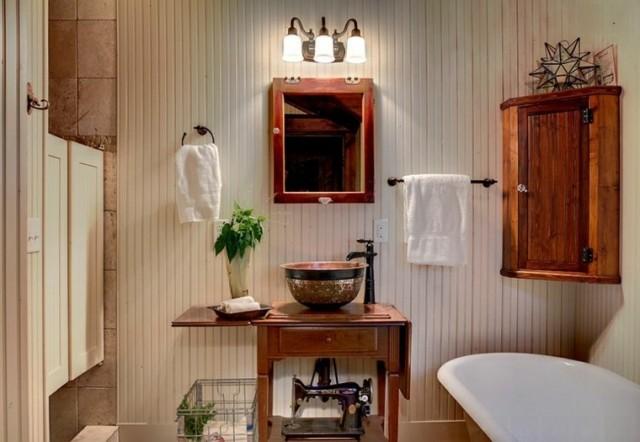 50-fotos-con-ideas-de-decoracion-para-baños-rusticos-2016-baños-pared-laminada-blanca