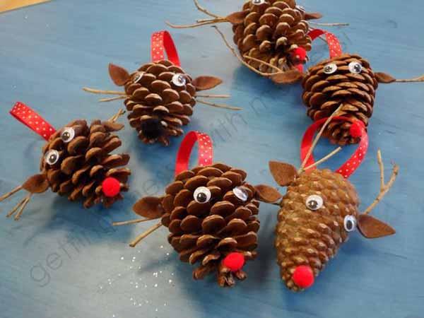 decoracion-navidad-con-pinas-reno