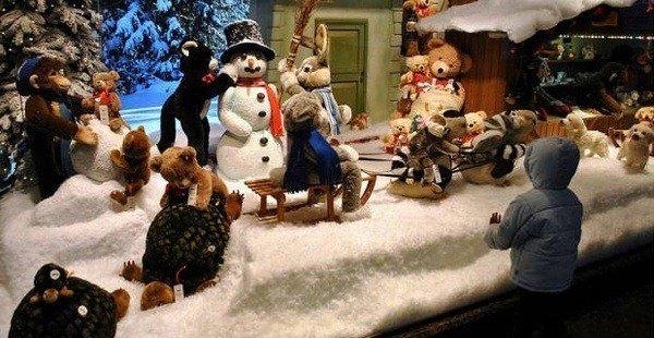 decoracion-navidad-escaparates-juguete