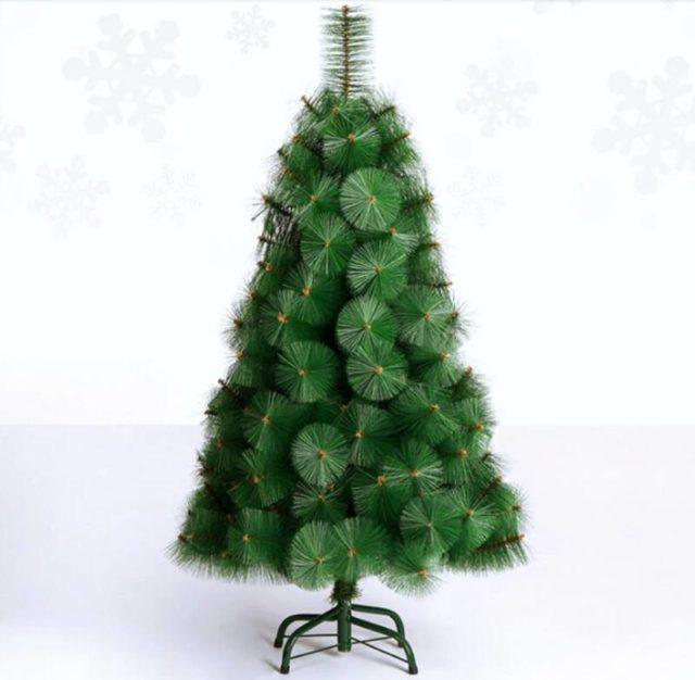Artificial-Christmas-trees