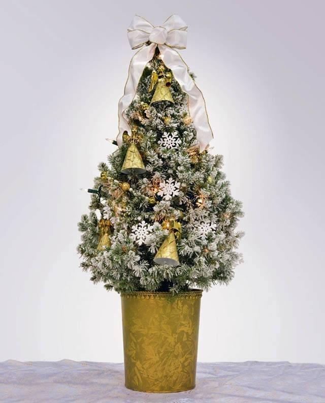 arboles-de-navidad-pequenos-blanco-y-dorado