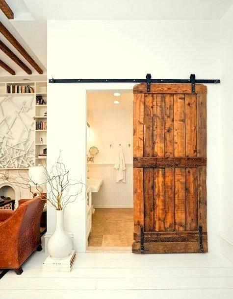 baño rustico puertas