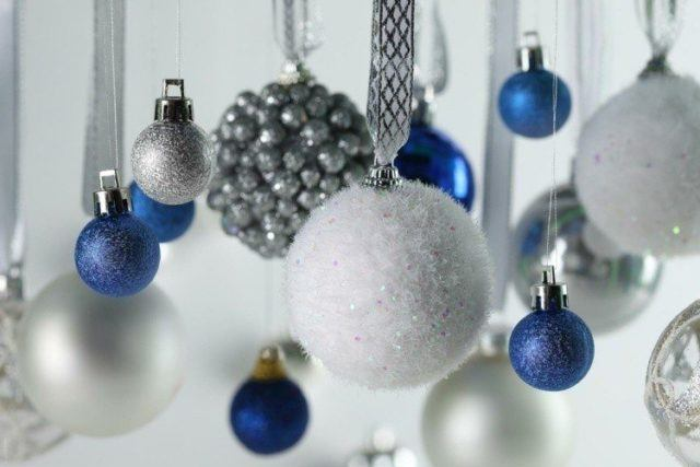 Christmas-blue-and-silver balls