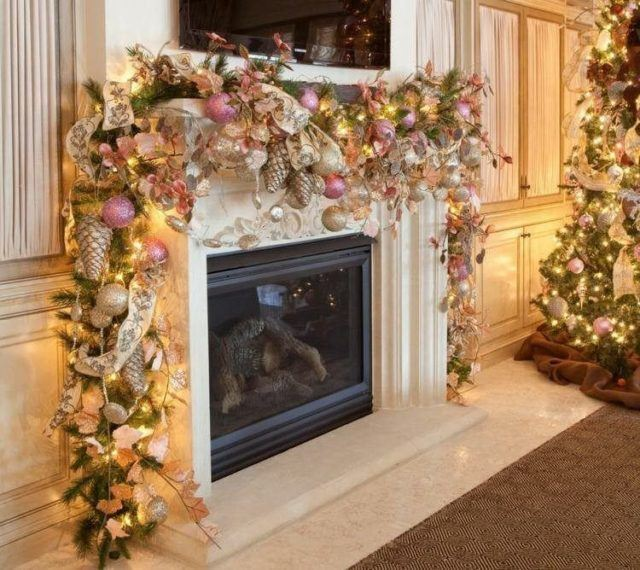 Balls-of-christmas-fireplace-natural-crowns-yellow