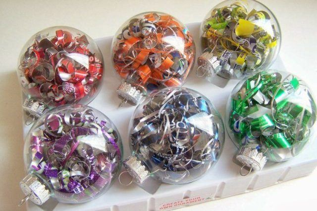 Crystal-balls-of-christmas