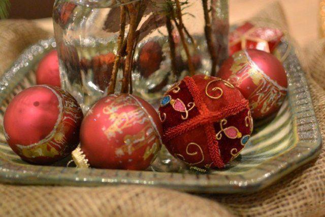 bolas-de-navidad-rojo-y-dorado