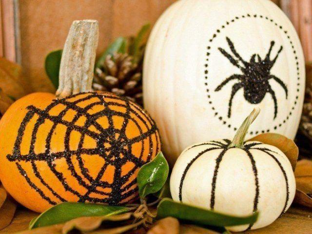 calabazas-decoradas-arañas-muestras