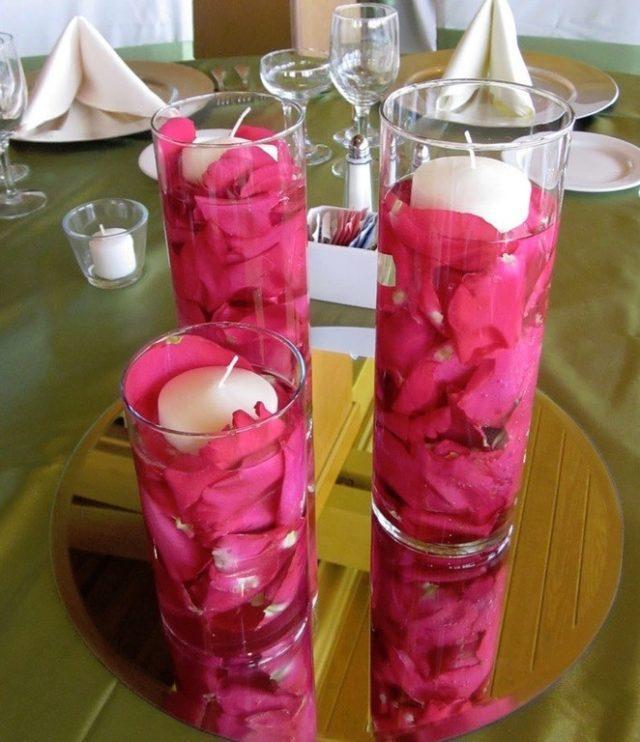centros-de-mesa-san-valentin-con-petalos-y-velas
