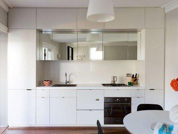 cocinas-pequenas-de-diseno-muebles-blancos