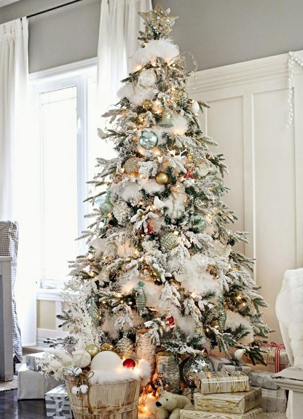 Tree-decoration-of-christmas-white-high