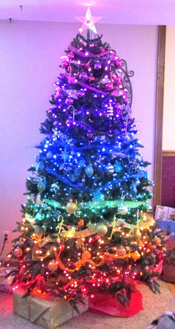 decoracion-de-arboles-de-navidad-colores-distintos