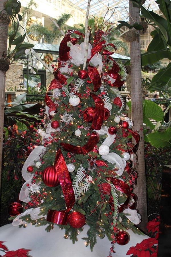 decoracion-de-arboles-de-navidad-en-rojo-blanco