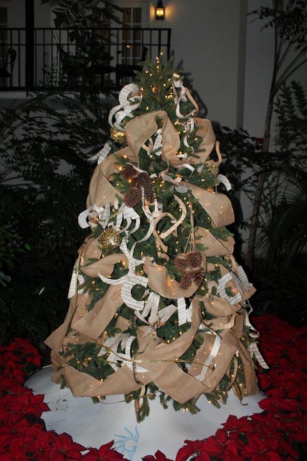 decoracion-de-arboles-de-navidad-guirnalda-original-beige