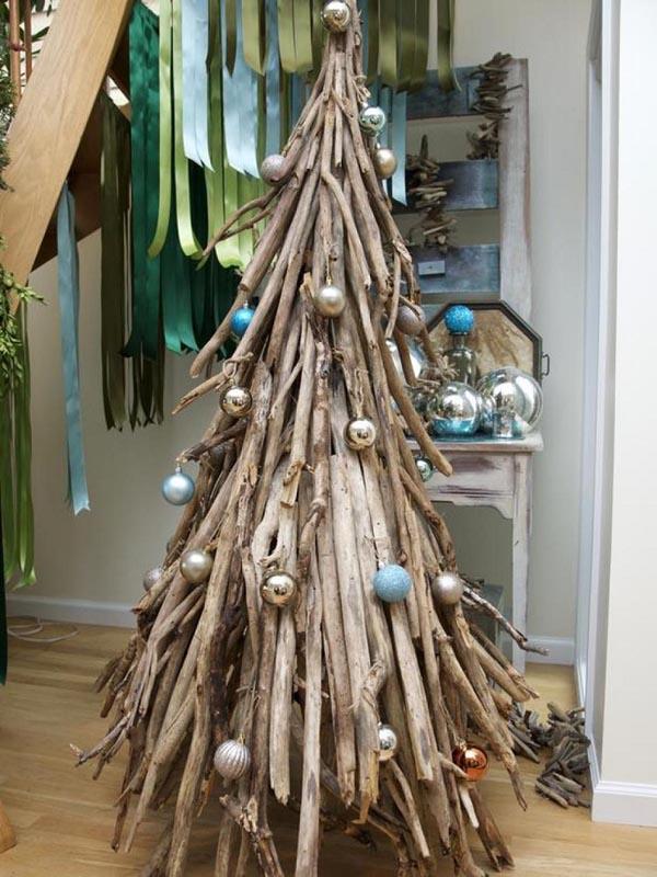 decoracion-de-arboles-de-navidad-palos-madera-bolas-arbol-navidad