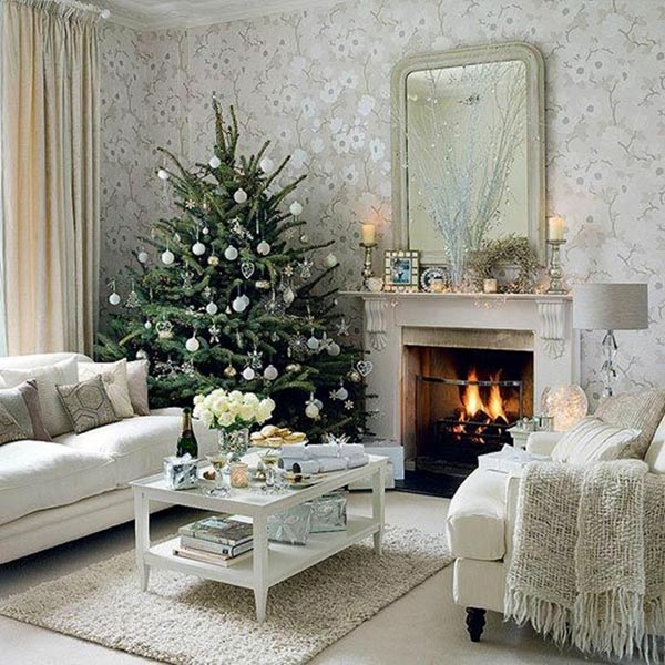 Decoration-of-trees-of-christmas-salon-white