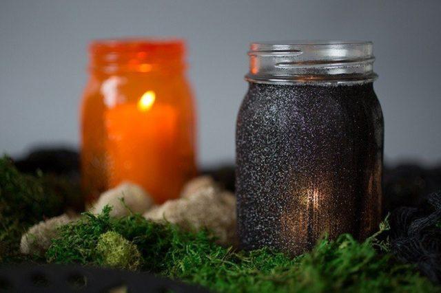 decoracion-halloween-botes-vidrio-pintados-velas
