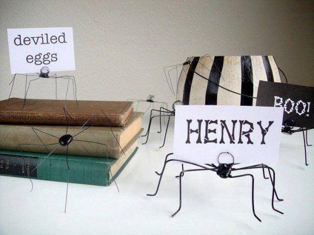 Halloween decorations-original-designs-tarantulas-wire