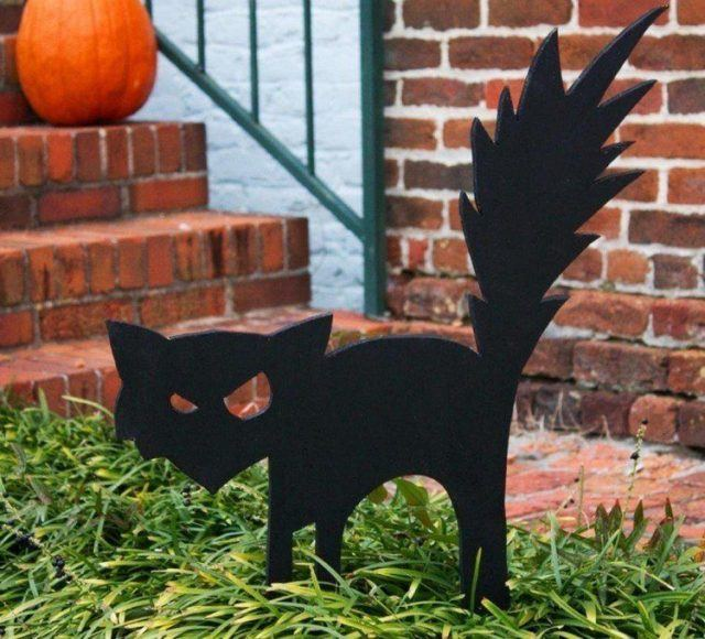 Decoration-halloween-silhouette-cat-black-wood