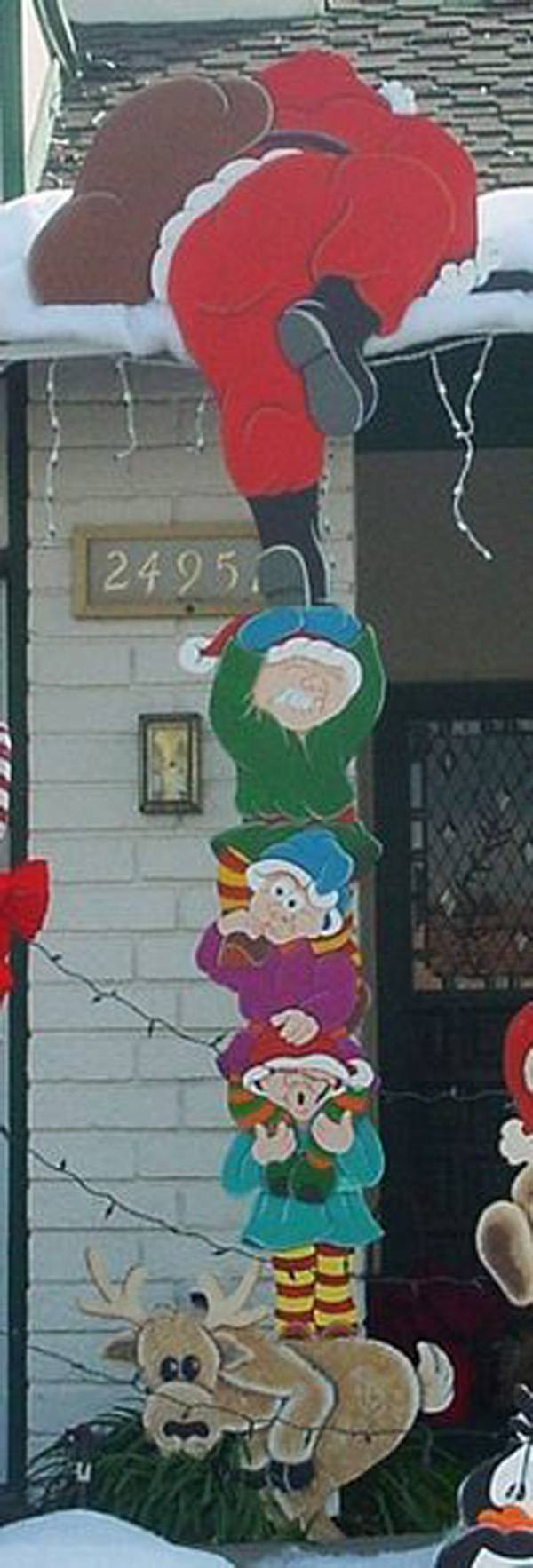 Christmas decoration-exterior-Pope-Noel
