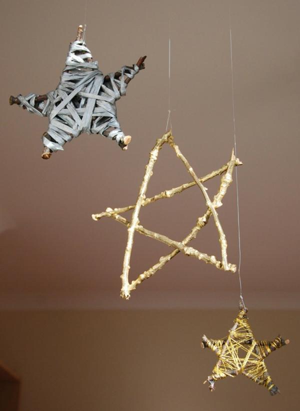 Stars-of-christmas-tree-ribbon