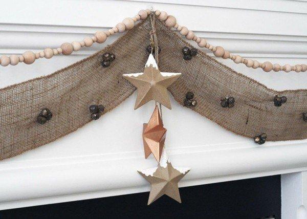 estrellas-de-navidad-con-guirnalda-de-tela