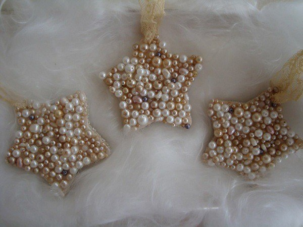 Christmas-stars-with-pearls