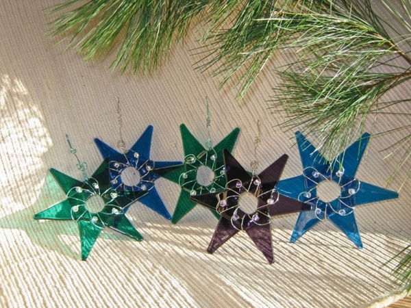 Stars-of-christmas-of-different-colors