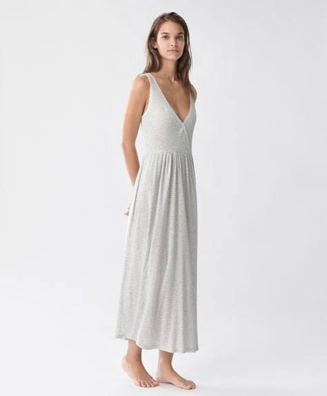 regalos-de-navidad-para-mujeres-pijama-oysho-camison