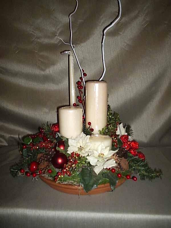 velas-de-navidad-con-bolas-roja