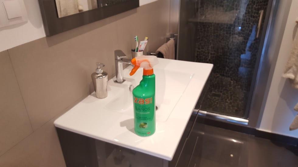 Productos de limpieza del hogar probamos zas ba os - Limpieza banos ...