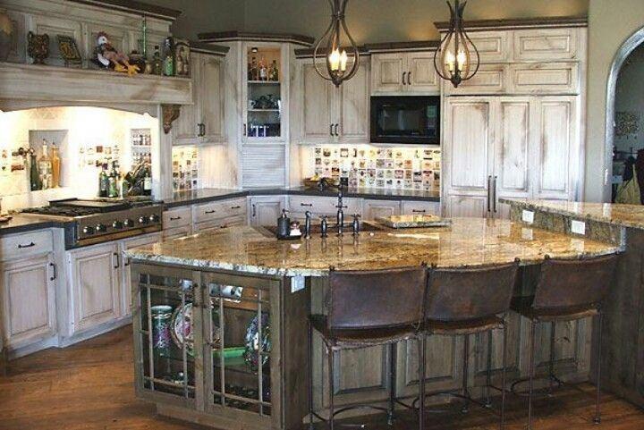 Cocina rustica blanca isla central marmol - Cocina rustica blanca ...